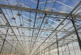 Монтаж системы досветки оранжерейного комплекса